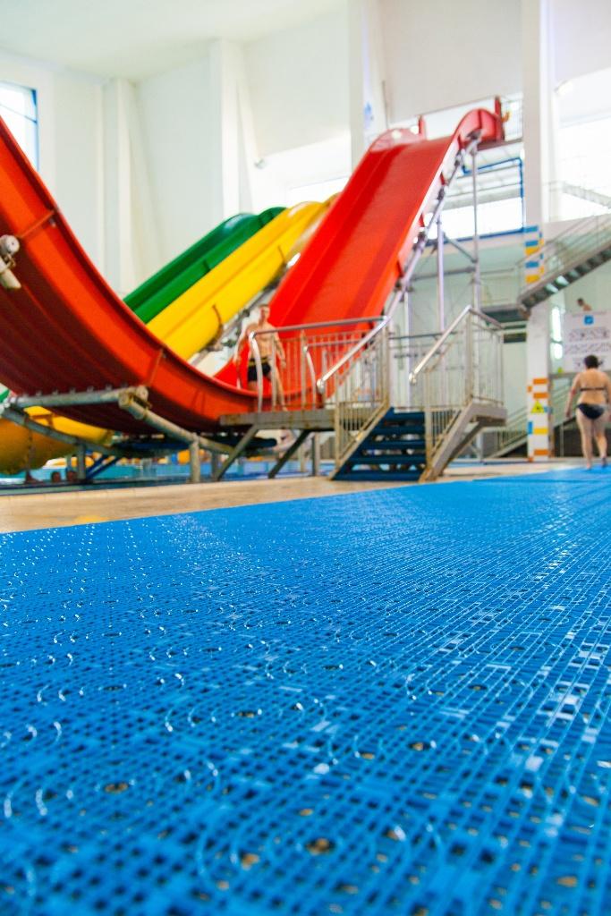 Протвоскользящее покрытие для бассейнов